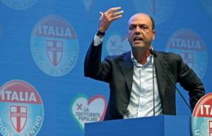 """Alfano promette: """"Blocco stipendi forze dell'ordine sarà risolto"""""""