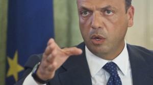 """Angelino Alfano: """"Italia e Roma nel mirino dell'Isis"""""""