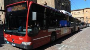 Bologna: controllori bus aggrediti da passeggeri senza biglietto
