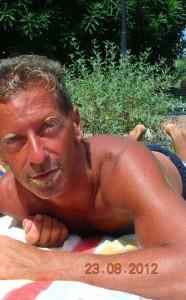 Massimo Giuseppe Bossetti nel campo di Yara 15 giorni dopo il delitto