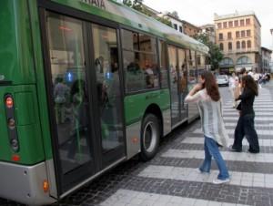 Treviso. In bici contro bus: nuova e pericolosa sfida tra adolescenti