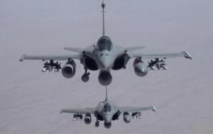 Guerra a Isis al via: bombe Usa in Siria. Colpita Raqqa, capitale di Al Baghdadi