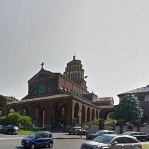 Milano, scippa i fedeli durante la messa: bloccato dal sacrestano