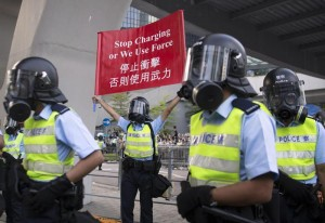 "Hong Kong, prosegue protesta. Cina a Usa: ""Non vi immischiate"""