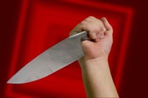 San Benedetto del Tronto: gira nudo in strada, aggredisce genitori con coltello