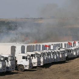 Ucraina, convoglio russo di aiuti attraversa la frontiera