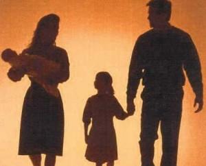 Donne in famiglia, tra moglie e marito non c'è ancora parità