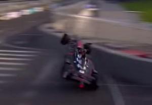 Formula E, paura per Nick Heidfeld. Decolla con la monoposto: illeso VIDEO