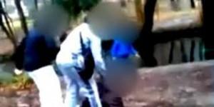 Francia: bulla di 15 anni picchia ragazza disabile e posta il video sul web
