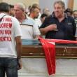 Davide Bifolco, folla e fiori ai funerali FOTO8