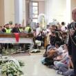 Davide Bifolco, folla e fiori ai funerali FOTO19
