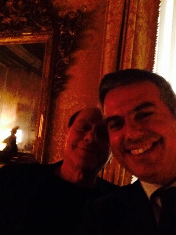 Giacomo Bugaro, selfie con Berlusconi: coordinatore Ncd, lo fanno dimettere FOTO