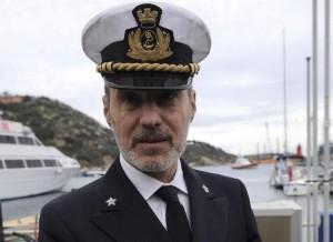 """De Falco: dal """"vada a bordo cazzo"""", all'addio al mare. Trasferito in ufficio"""
