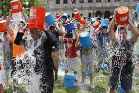 Ice Bucket Challenge funziona: in Italia raccolto 1 mln 100 mila euro