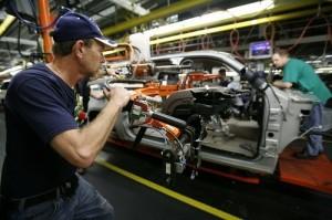 Produzione industriale in calo dell'1% a luglio 2014: record negativo dal 2009