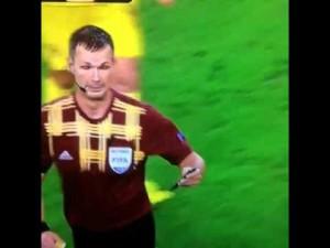 iPhone in campo: arbitro ferma match di Europa League