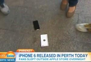 iPhone 6 appena comprato gli cade in diretta tv VIDEO
