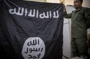 """""""Isis può diventare minaccia nucleare"""": allerta Gb. In Siria decapitate 3 donne"""