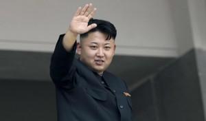 Corea Nord, Kim Jong-un tradito dal tacco nascosto: s'è fratturato le caviglie
