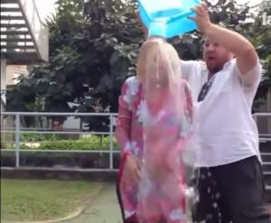 Ice Bucket Challenge, Luciana Littizzetto ha donato 5mila euro e non 100 euro