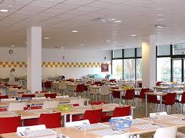 Scuola: mensa si paga anche se porti il panino da casa, polemiche a Vercelli