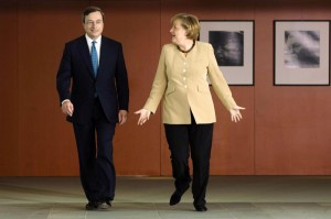 """Angela Merkel: """"E' stato Draghi a chiamarmi"""" e smentisce i rimproveri alla Bce"""