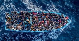 Naufragio nel Mediterraneo a 300 miglia da Malta: morti, almeno 30 migranti dispersi