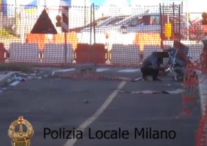 Milano, 3 fratelli finti invalidi costretti a mendicare: arrestata coppia rom