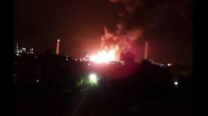 Milazzo: incendio alla raffineri. A fuoco un milione di litri di carburante VIDEO