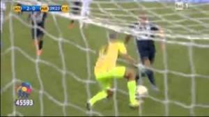 Video, Roberto Baggio gol e Maradona assist: show nella partita della pace