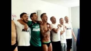 Simone Zaza torna al Sassuolo, compagni cantano inno di Mameli (VIDEO)