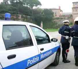 Rom contro controlli, bambini 'scudo' anti vigili a Napoli