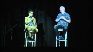 Julian Assange in versione ologramma partecipa ad una conferenza negli Usa