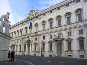 """""""Consulta, tanti sprechi e poca credibilità"""", Stefano Zurlo sul Giornale"""