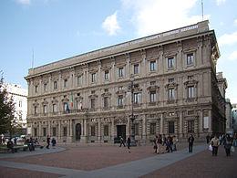 Milano, allarme bomba al Comune: sgomberato Palazzo Marino