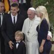 Papa Francesco: foto con Maradona, foto con Icardi e Wanda Nara…