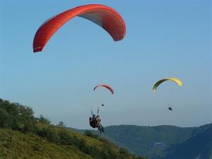 Si schianta con il parapendio sulle Alpi svizzere: morto italiano di 28 anni
