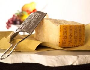 """Parmigiano italiano """"made in Bielorussia"""": contrabbando anti-sanzioni in Russia"""