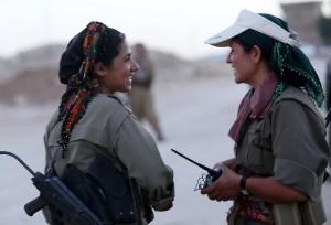 Isis, combattenti spietati: non temono la morte, temono le donne