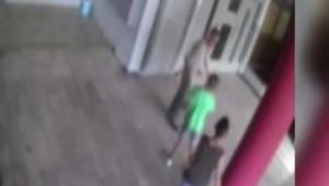 Bambini di 10 e 11 anni picchiano a morte pensionato per 5 euro VIDEO