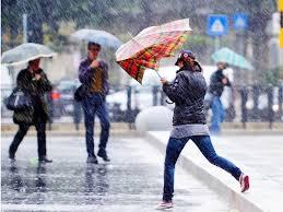 Previsioni meteo: sole fino a martedì, poi tornano piogge e fresco