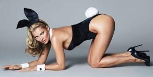 """Posizioni sessuali contro il mal di schiena: agli uomini fa bene la """"pecorina"""""""