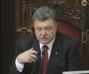 Ucraina, accordo sul cessate il fuoco. Nuovi aiuti russi a Donetsk