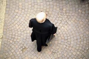 Prete suicida ricattato per foto gay: sostituì prete rimosso per abusi sessuali