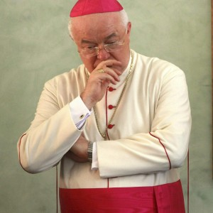 Papa Francesco fa arrestare in Vaticano arcivescovo pedofilo: Jozef Wesolowski