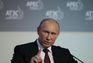 """Ucraina, Putin: """"Se voglio in 2 settimane prendo Kiev"""". Truppe russe ad est"""