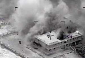 Usa bombardano Isis: secondo raid notturno, missili anche dal mare VIDEO