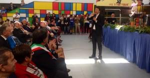 """Quella mezza dozzina di ragazzi a Palermo: """"Berlusconi è meglio, Renzi cu è?"""""""