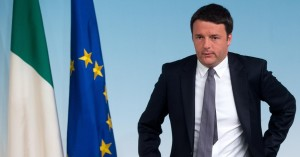"""Matteo Renzi alle Forze dell'ordine: """"Non potete scioperare per Costituzione"""""""