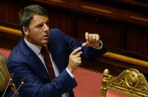 Matteo Renzi durante il discorso in Parlamento (foto Ansa)